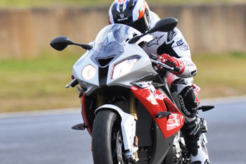 BMW's revised S 1000 RR claims AMCN AUSTest victory