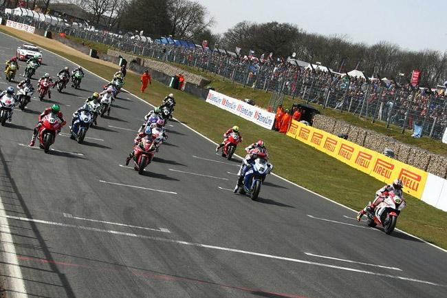 Byrne and Ellison took wins at the BSB season opener at Brands Hatch. Image: BritishSuperbike.com