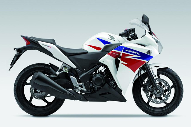 Honda's famed CBR250R sports new colours for 2013