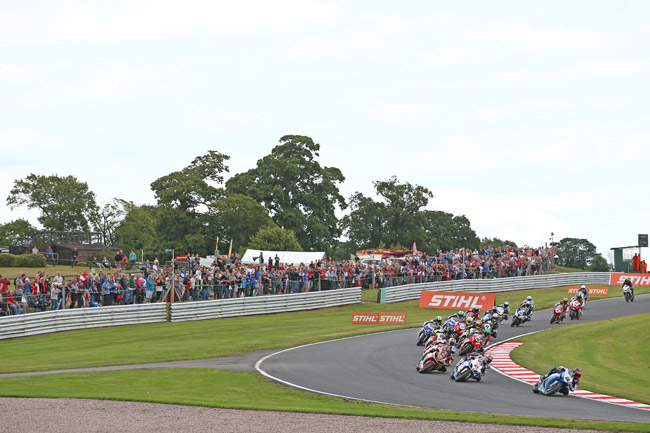 Large crowds turned out to watch the Oulton Park triple-header.