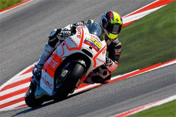 Hernandez remaining with Pramac Ducati aboard 'Open' Desmosedici