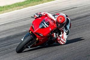 New Ducati 1299 Panigale debuts at Mugello