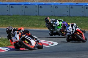 Elliott fights back to retain ASC lead following mixed weekend at Wakefield Park
