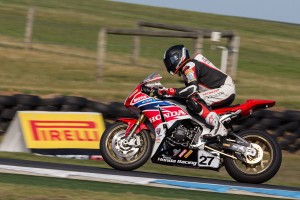 Pirelli riders dominate Superbike, Supersport and Production classes