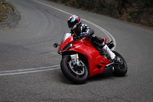 Review: 2015 Ducati 1299 Panigale S