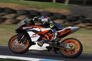 KTM RC 390 men make a big splash as championship bursts into life