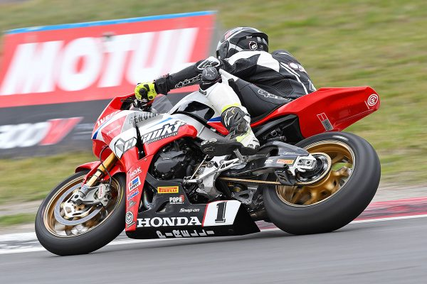 Herfoss on provisional ASBK pole position at Winton
