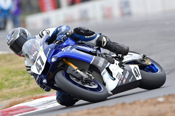 Maxwell sets new Winton best lap to secure ASBK pole