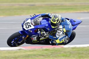 Swing: 2017 ASBK Rd3 Winton