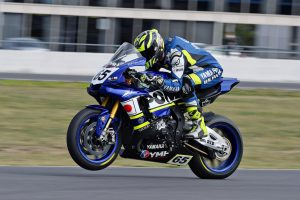 Dunlop racers rise for Winton ASBK class podiums