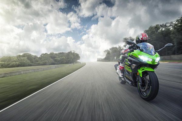 Viral: 2018 Kawasaki Ninja 400 - Street Born, Track Inspired