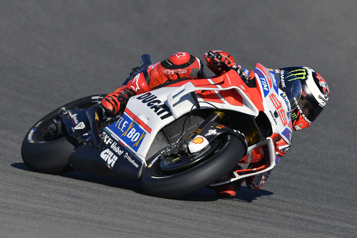 lorenzo fastest in friday motogp practice at valencia. Black Bedroom Furniture Sets. Home Design Ideas