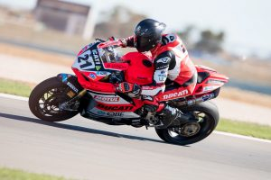 Suspected finger fracture for Bayliss following race three exit