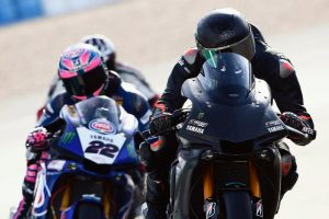 F1 champion Hamilton samples WorldSBK-spec Yamaha YZF-R1