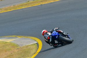 Toparis fends off Edwards for Sydney Supersport race one win